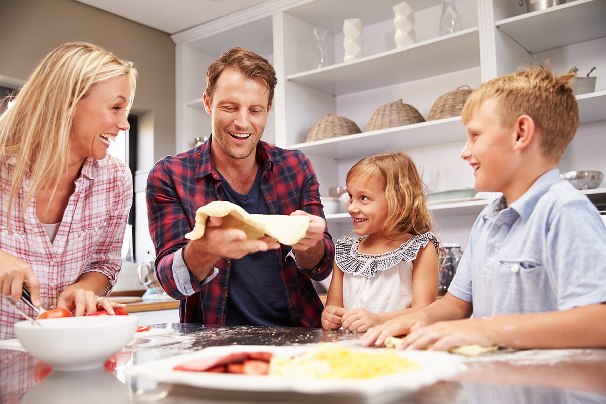 Making Family Mealtime a Priority